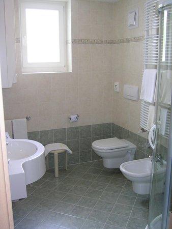 Photo of the bathroom Apartments Alpenroyal