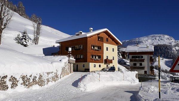 Foto invernale di presentazione Giglio Rosso - Appartamenti seconda categoria