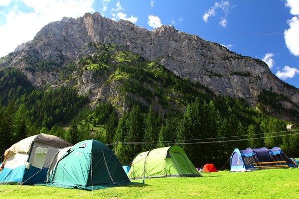 Foto estiva di presentazione Campeggio La Marmolada