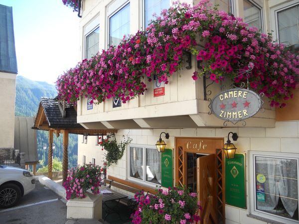 Foto esterno in estate Alpino