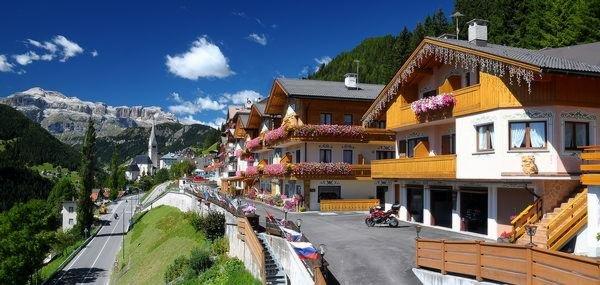 Foto estiva di presentazione Cesa Padon - Hotel 3 stelle