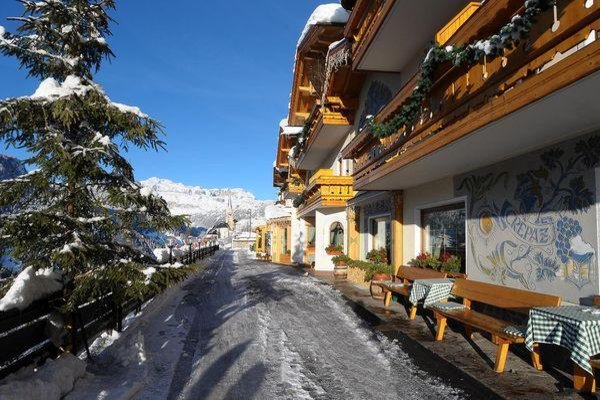 Foto invernale di presentazione Cesa Padon - Hotel 3 stelle