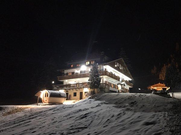 Foto esterno in inverno Baita Dovich