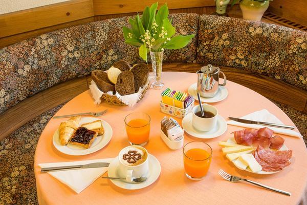 Das Frühstück Ai Serrai - Garni-Hotel 3 Sterne