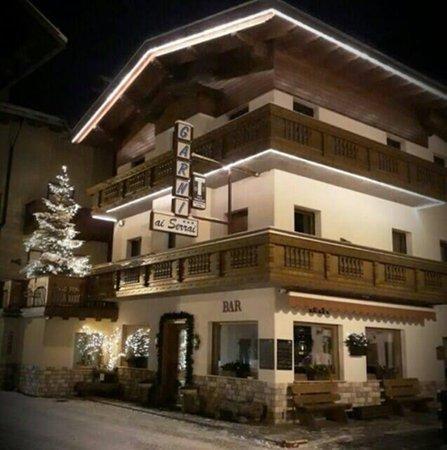Foto invernale di presentazione Garni-Hotel Ai Serrai