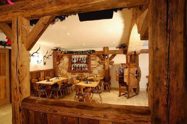 Wine cellar Malga Ciapela (Marmolada) Roy