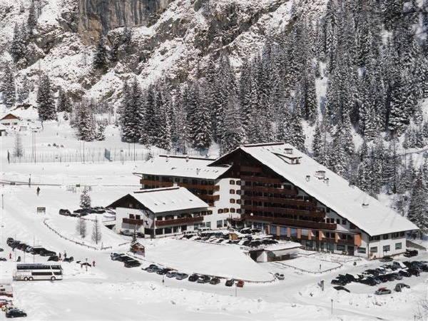 Winter presentation photo Hotel Principe Marmolada