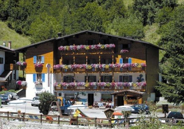 Summer presentation photo Hotel Genzianella