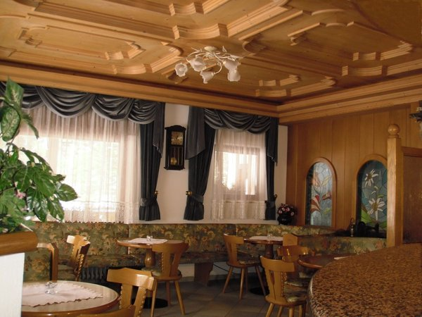 Photo of the bar Hotel Rosalpina