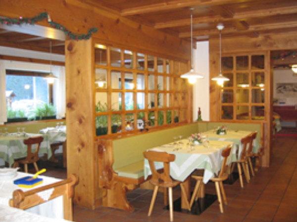 The restaurant Col di Rocca (Marmolada) Patri