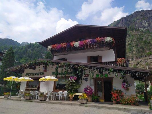 Photo exteriors in summer Marmolada