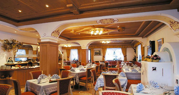 The restaurant Bosco Verde (Marmolada) Albe