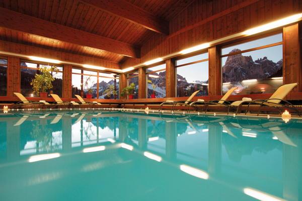 Hotel arlara corvara alta badia - Hotel corvara con piscina ...