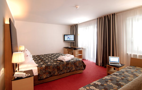 Hotel biancaneve family design hotel wolkenstein gr den for Wolkenstein design hotel