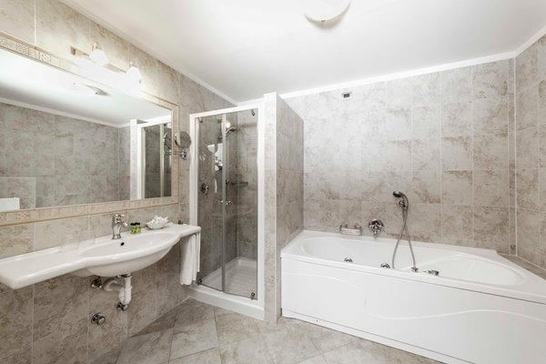 Photo of the bathroom Hotel Miravalle