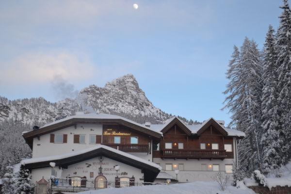Foto invernale di presentazione Hotel Scoiattolo