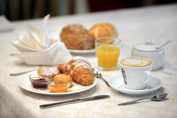 The breakfast Astor Suites B&B