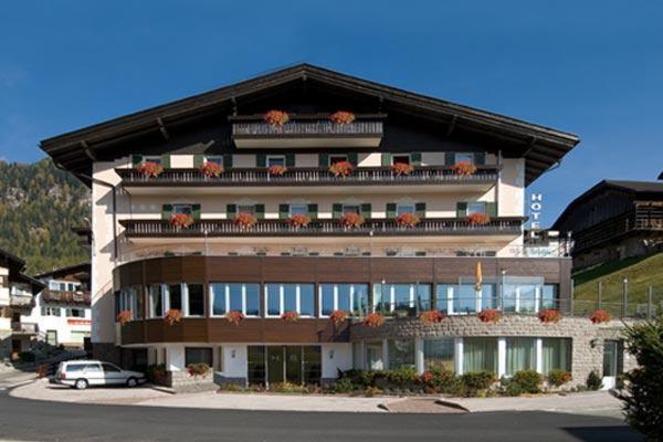 Foto estiva di presentazione Hotel Belmont