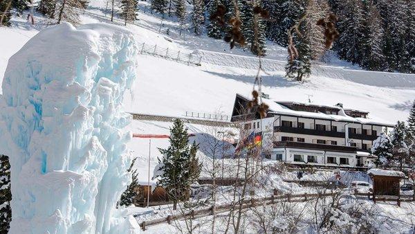 Foto invernale di presentazione Hotel Pralong