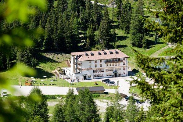 Foto estiva di presentazione Sella - Hotel 3 stelle sup.