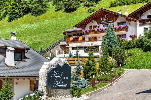 Foto estiva di presentazione Hotel Muliac