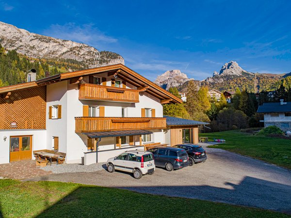 Foto esterno in estate Chalet Dumbria Dolomites