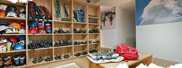 Mountaineering school Catores TradItDeEn [it=Ortisei, de=St. Ulrich, en=Ortisei / St. Ulrich]