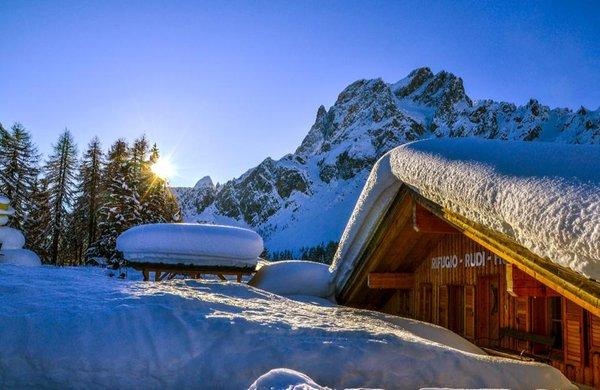 Photo exteriors in winter Mountain hut Rudi Hütte
