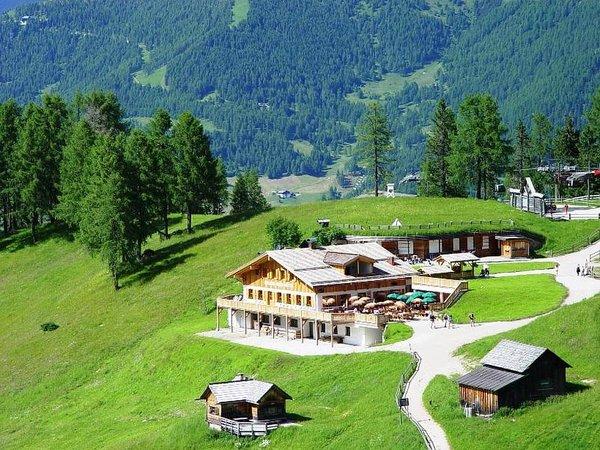Foto esterno in estate Rudi Hütte
