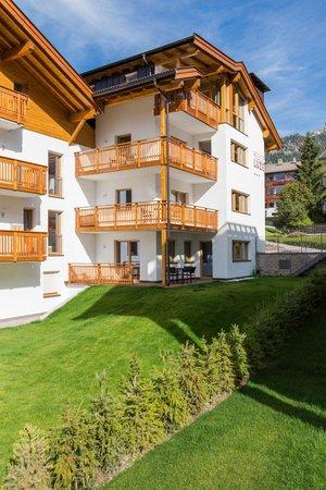 Foto esterno in estate Luzerna