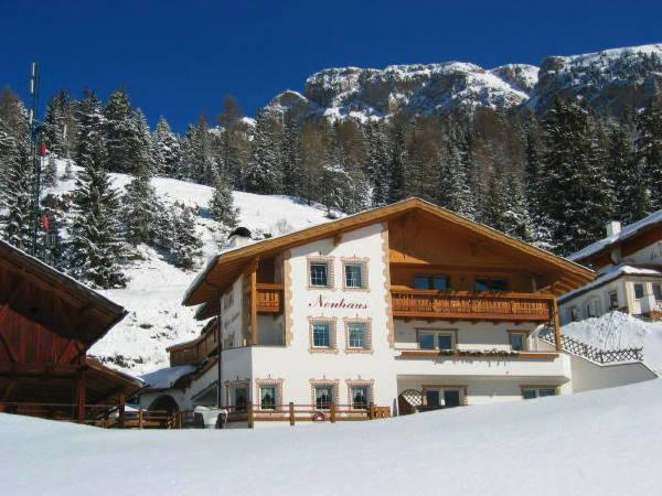 Foto esterno in inverno Neuhaus