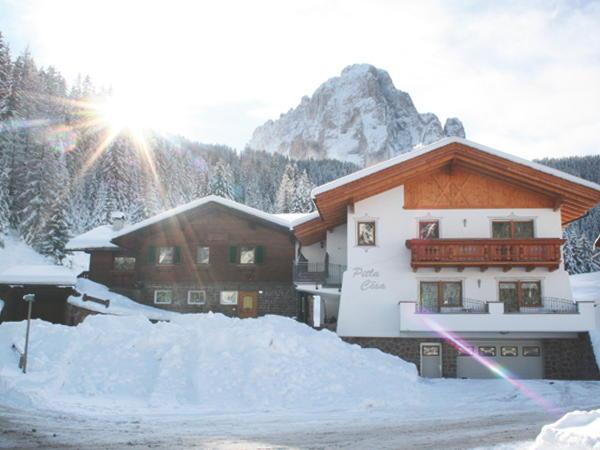 Foto esterno in inverno Pitla Cësa
