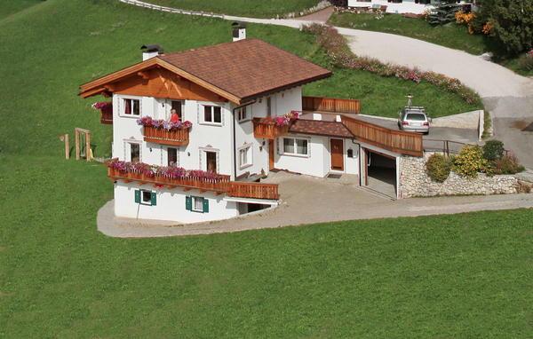 Foto esterno in estate Plotschhof