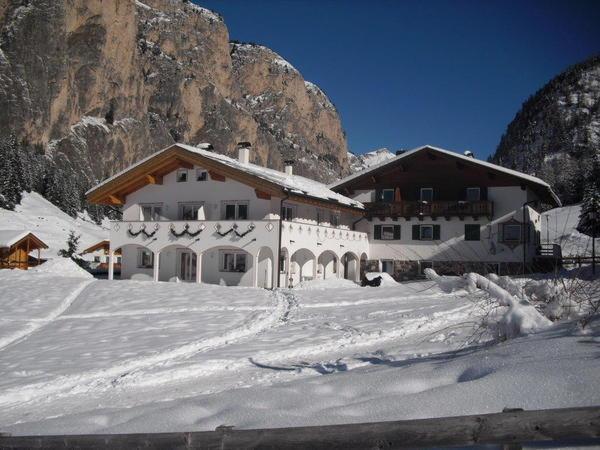 Foto invernale di presentazione Appartamenti Helene