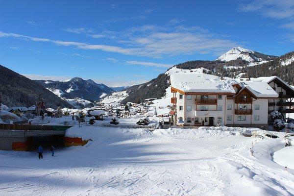 Foto esterno in inverno Aghél