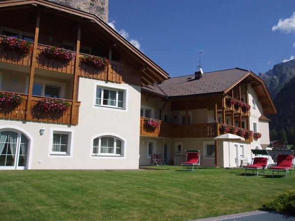 Photo exteriors in summer La Majon & Dependance