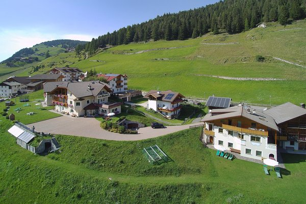 Position B&B (Garni) + Apartments La Majon & Dependance Selva Gardena / Wolkenstein