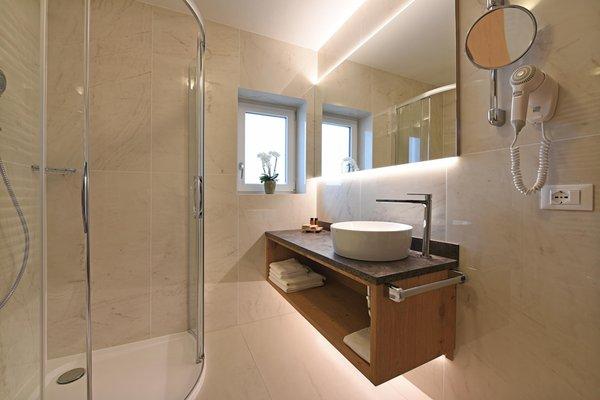 Photo of the bathroom B&B-Hotel + Apartments Miara