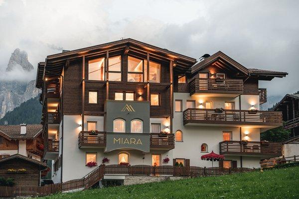 Foto estiva di presentazione Garni-Hotel + Appartamenti Miara