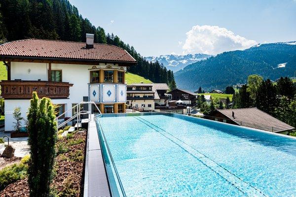 Summer presentation photo Garni-Hotel Soraiser Dolomites Small & Luxury - B&B-Hotel + Apartments 3 stars sup.
