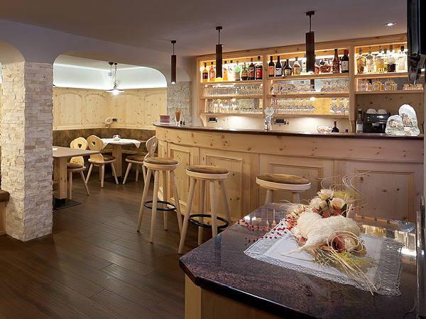 Foto del bar Garni-Hotel Soraiser Dolomites Small & Luxury