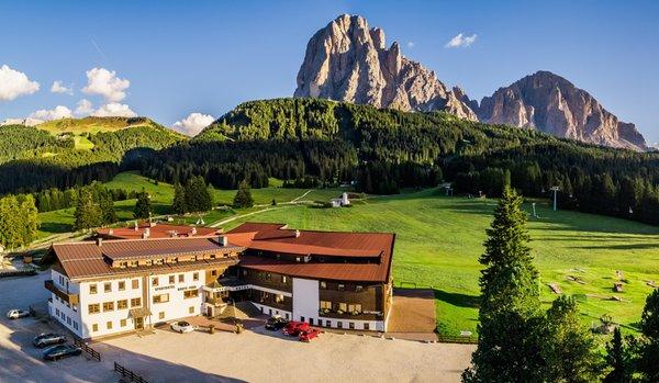 Foto estiva di presentazione Monte Pana Dolomites Hotel