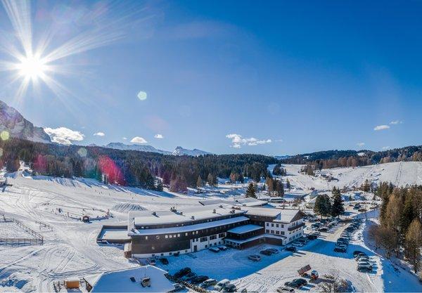 Foto invernale di presentazione Monte Pana Dolomites Hotel