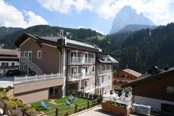 Foto estiva di presentazione Hotel Touring Dolomites