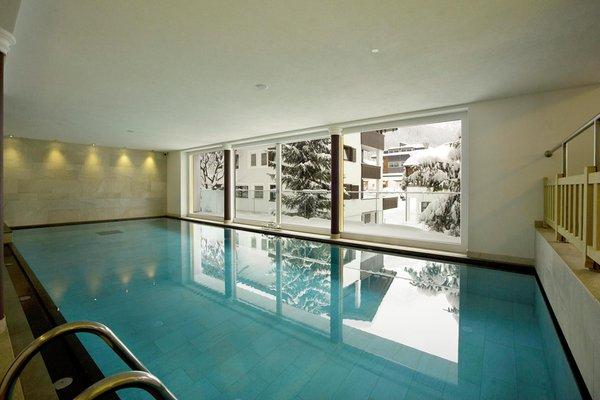 Hotel italia corvara alta badia - Residence val badia con piscina ...