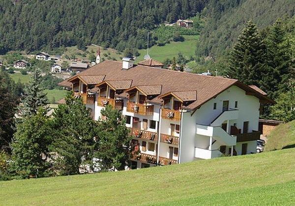 Foto estiva di presentazione Hotel Solaia