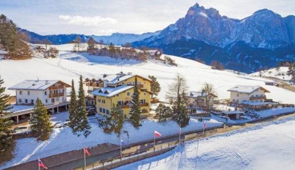 Foto invernale di presentazione Hotel Solaia