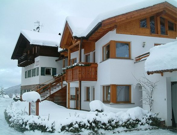 Foto invernale di presentazione Appartamenti Elbrus