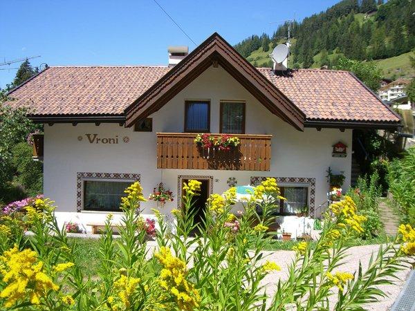 Foto estiva di presentazione Vroni - Appartamenti 2 soli