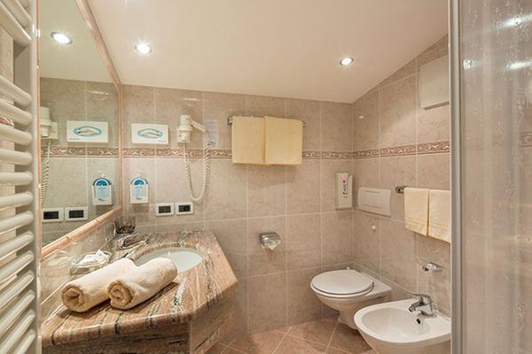 Foto del bagno Hotel Maria